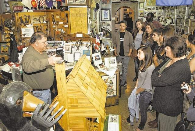 Indiana students experience Acadian Museum of Erath